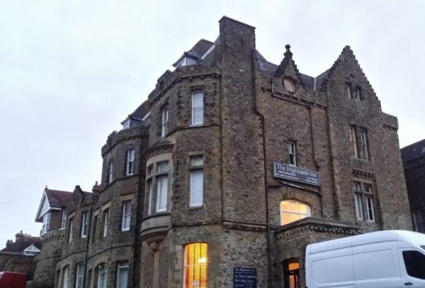 The Highlands Inn Hotel And Bar